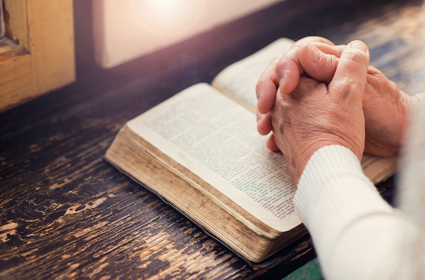 Independent senior living at the Rosewood at Fort Oglethorpe means you can take advantage of all the on-site resources for worship and bible study.